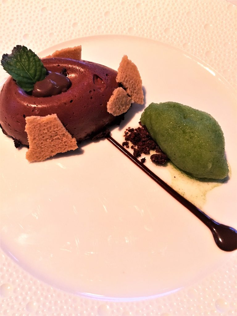 Les Flots chocolate mousse
