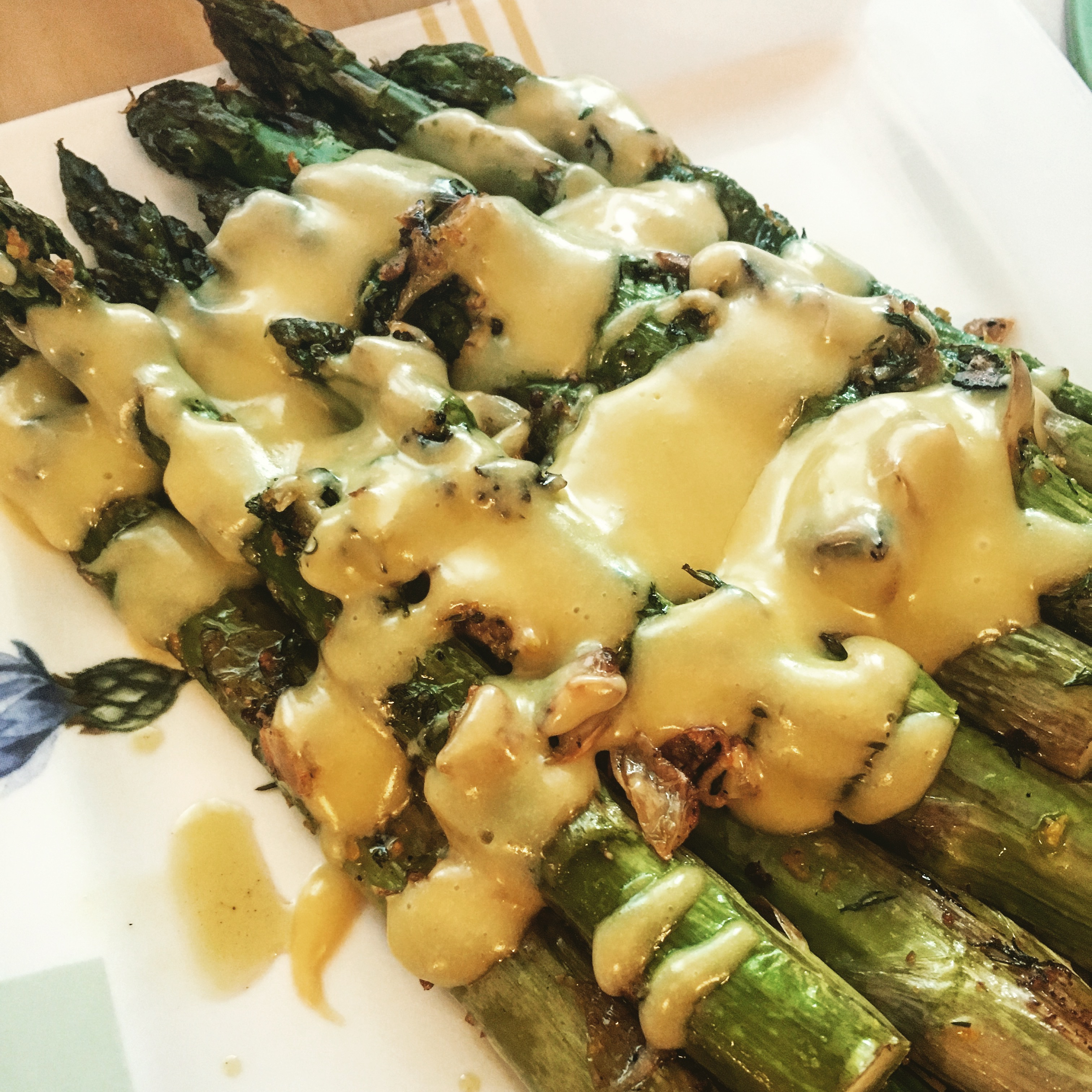Sinfully Simple Roasted Asparagus with Hollandaise Sauce